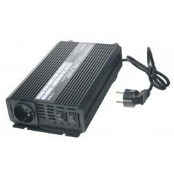 Autonabíjačka 12V / 10A + menič 600W 12 / 230V, UPS